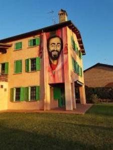 Pavarotti's House